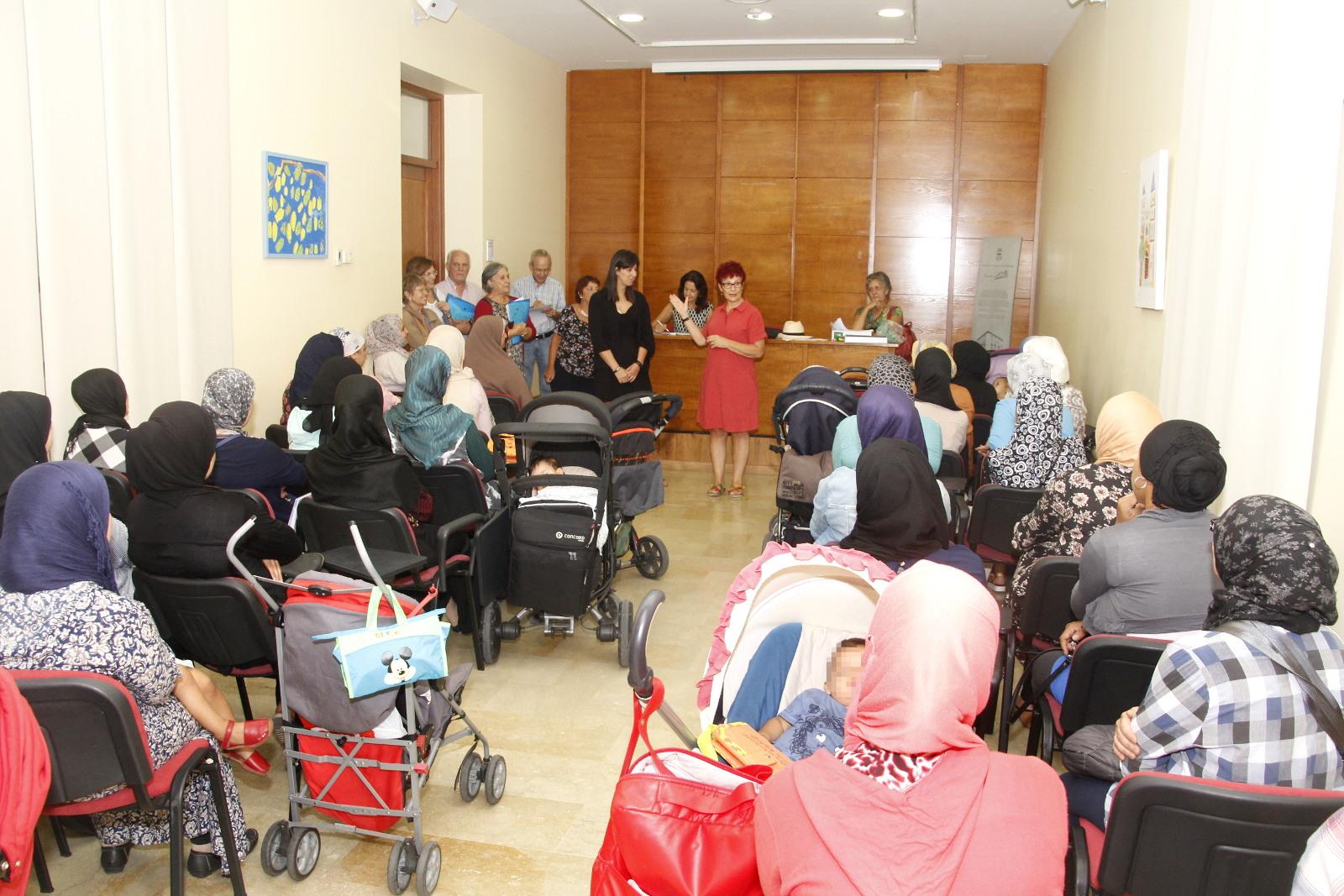 Inicio clases español mujeres inmigrantes 2017