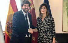 Alcaldesa y presidente CARM2
