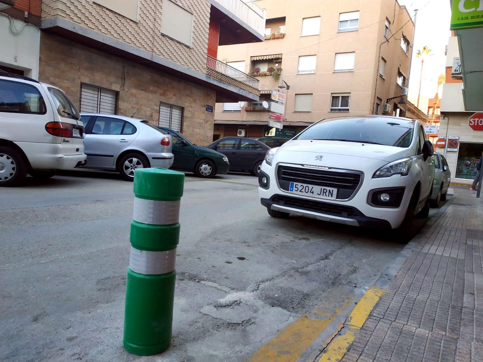 20190111.- Bolardo derribado calle Iglesia arregaldo