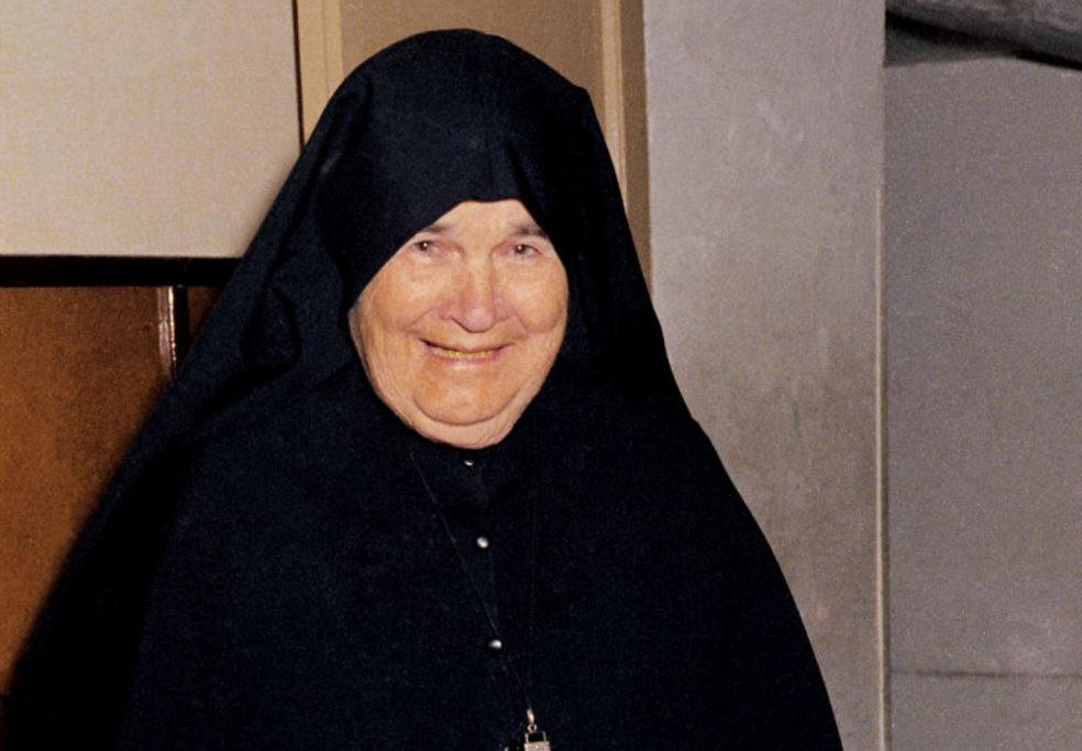 Madre Esperanza01